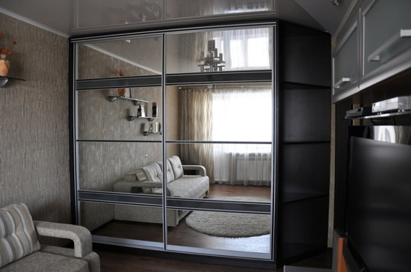 шкаф купе для гостиной
