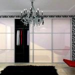 Встроенные шкафы в гостиной - тонкости выбора