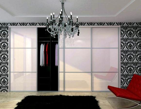 Встроенные шкафы в гостиной — тонкости выбора