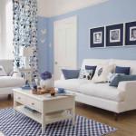 Гостиная в голубых тонах - фото и обзор интерьера