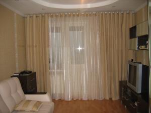 шторы на люверсах в гостиную