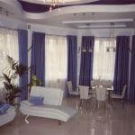 Выбираем современные шторы в гостиную