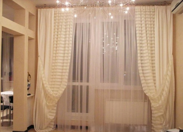 шторы из легкой ткани для гостиной