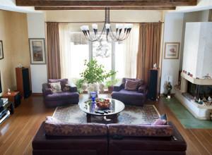 Люстры в интерьере гостиной — освещение для комнаты