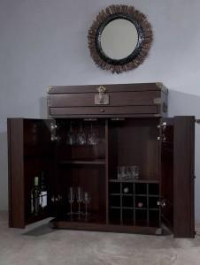 комод-бар в интерьере гостиной