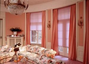 Интересный интерьер окна в гостиной - как сделать?