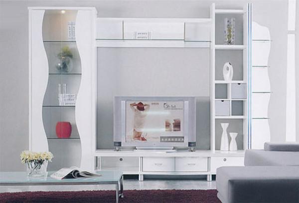 стенка белого цвета в интерьере гостиной