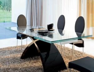 Стеклянные столы в гостиной — красота и практичность