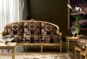 классический диван в гостиную