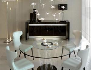 стеклянный стол в гостиной