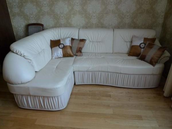 мягкая мебель светлых тонов
