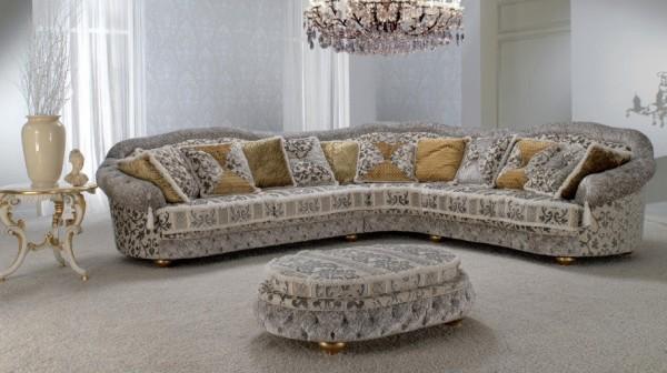 классический диван в интерьере гостиной