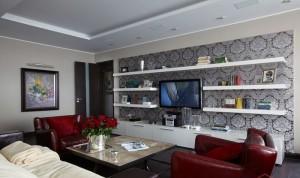 Полки в интерьере комнаты для гостей