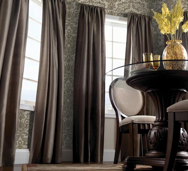 шторы темного цвета для гостиной