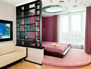 перегородка в гостиной-спальне