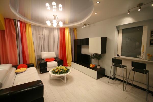 потолочная люстра модерн в интерьере гостиной