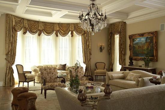 люстра классическая в гостиной