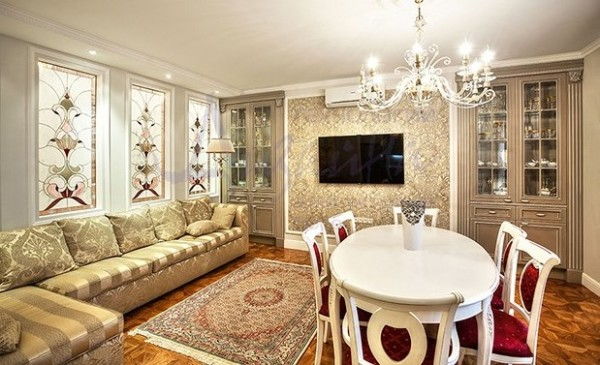 мозаика в интерьере гостиной